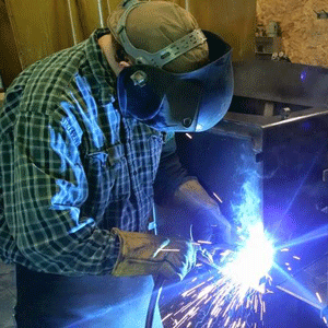 Kuma Stoves Welder Craftsman